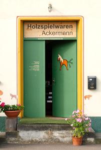Holzspielwaren Ackermann – Eingang