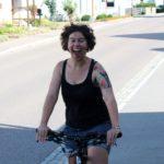 Lena bei der Testfahrt vom E-Bike