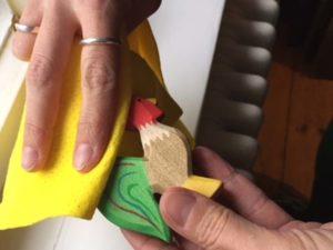 Holzspielzeug reinigen